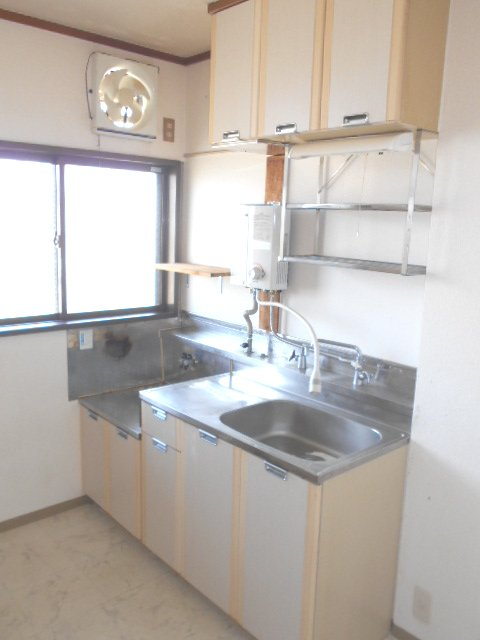 田園 102号室のキッチン
