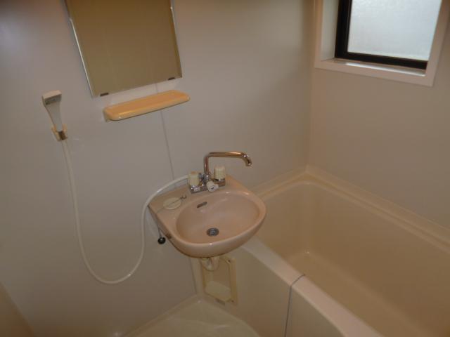セジュール・オオムラ 102号室の風呂