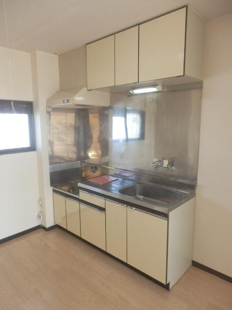 マンションカズ 406号室のキッチン
