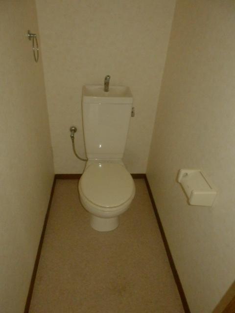ハイステージ新橋 B 201号室のトイレ