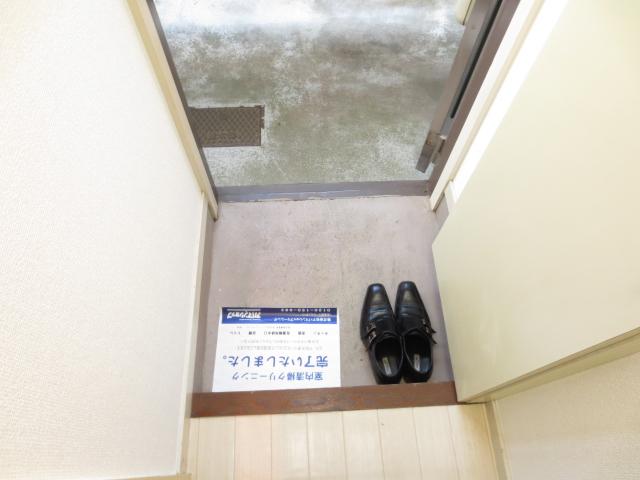 ジュネパレス新検見川第01 101号室のエントランス