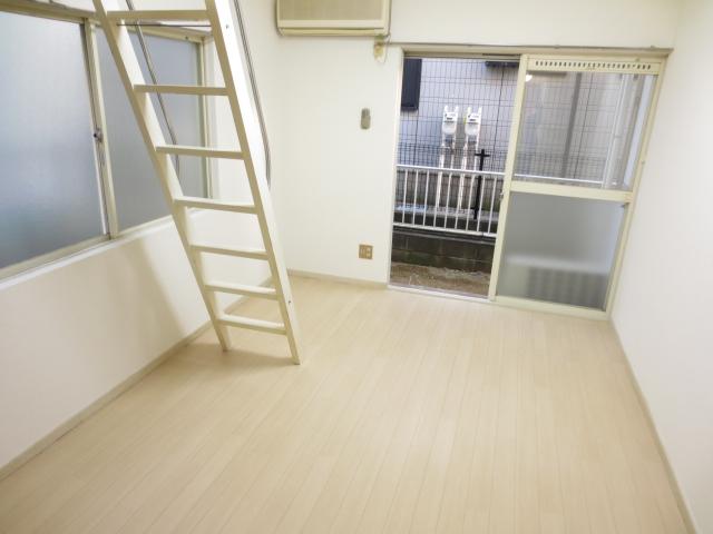ジュネパレス新検見川第01 101号室のベッドルーム