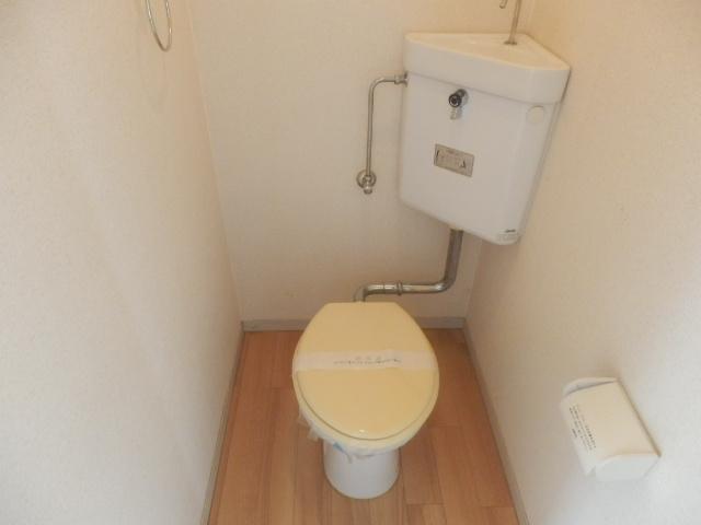 グリーンハイツ安座Ⅱ 201号室のトイレ