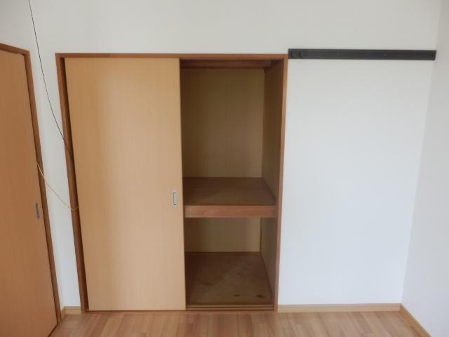 グリーンハイツ安座Ⅱ 201号室の収納