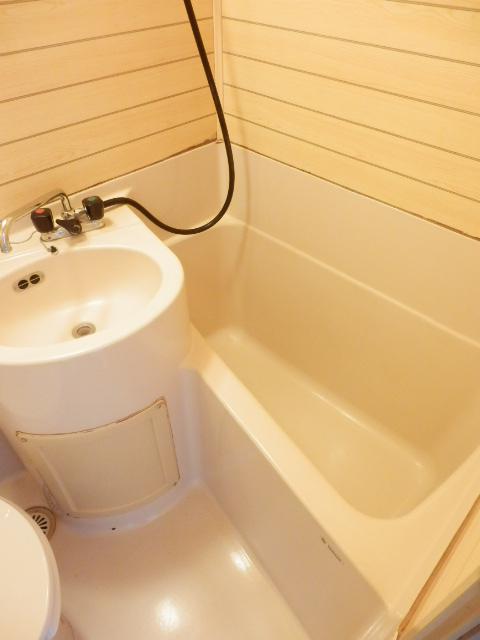 ルーム泉 5号室のトイレ