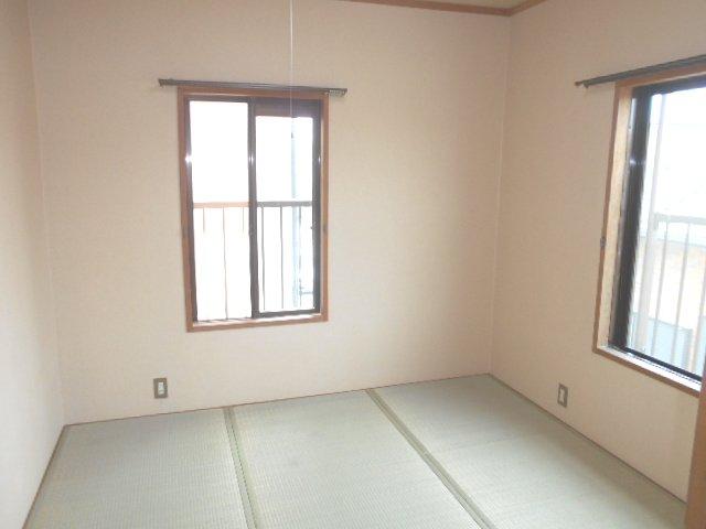 シャトル 201号室のベッドルーム