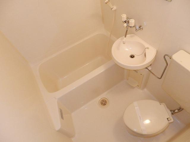 コーポセレナーデ 102号室の風呂