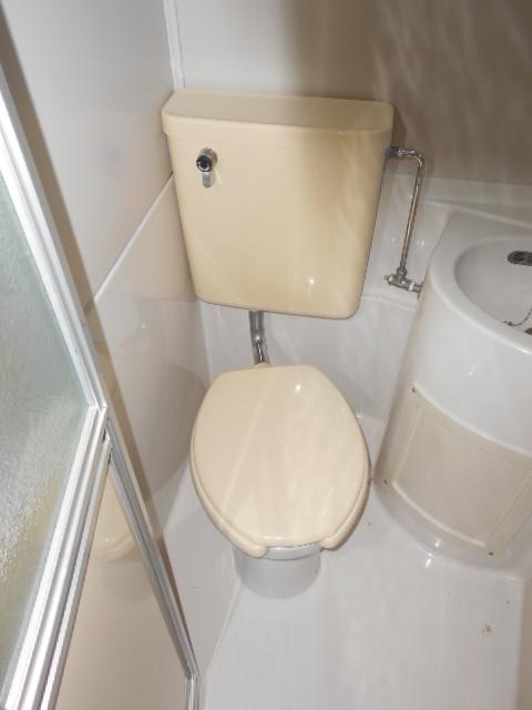 ハウス・ヨダ 104号室のトイレ