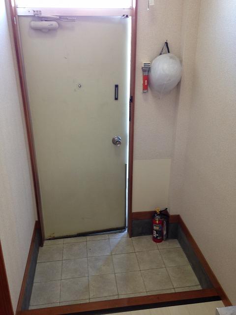 ハウス・ヨダ 201号室の玄関