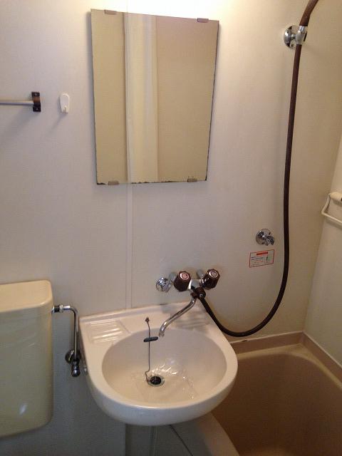 ハウス・ヨダ 201号室の洗面所