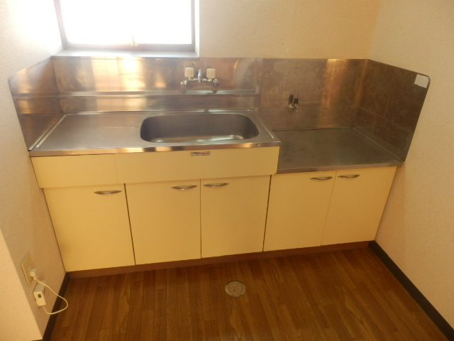 ファミール神田 205号室のキッチン