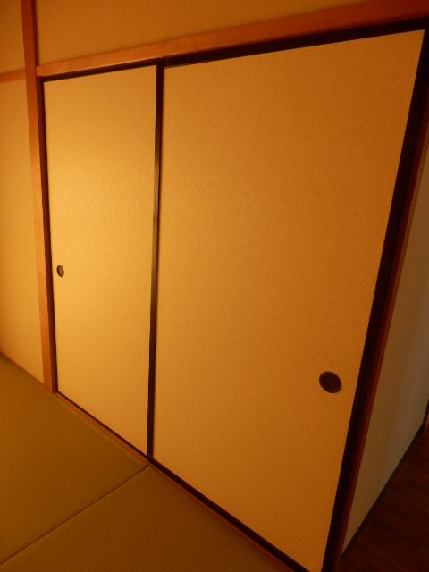 ファミール神田 205号室の収納