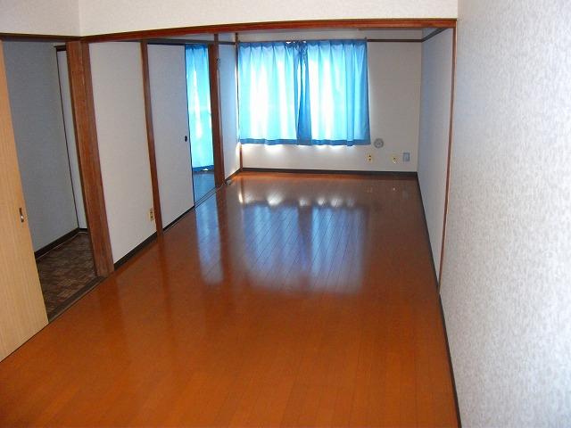 コーポ加藤 203号室の玄関