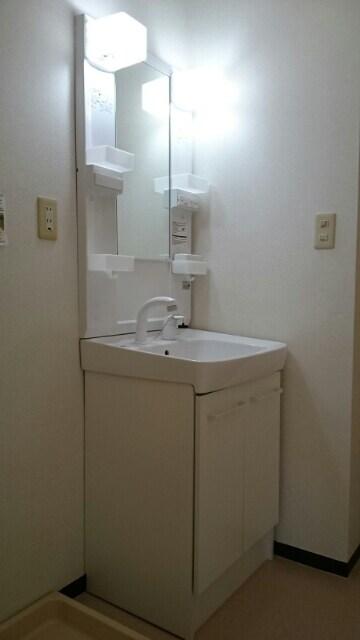 クレセントフジ A 03050号室の洗面所