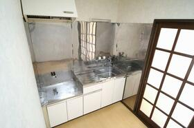 白百合 103号室のキッチン