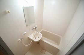 白百合 103号室の風呂