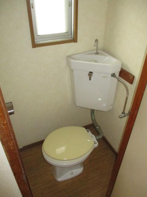 パナハイツ初生A 102号室のトイレ