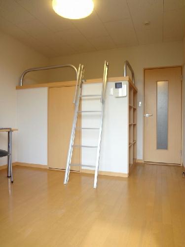 レオパレスバンビーノ花輪 104号室のベッドルーム