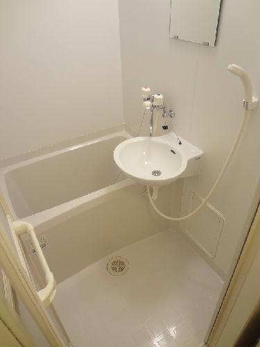 レオパレスバンビーノ花輪 104号室の風呂