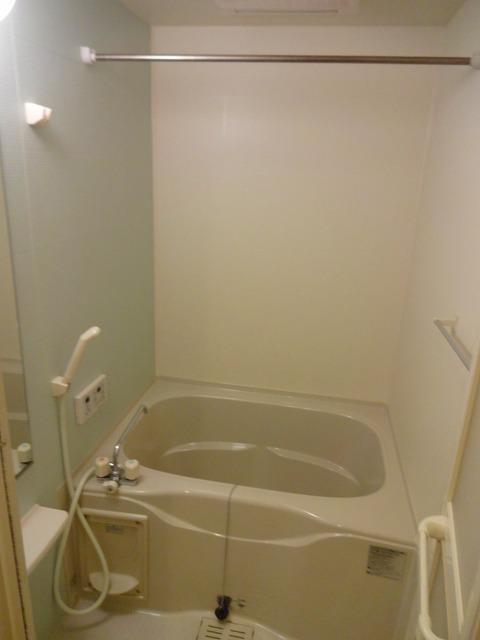 リヴィエ 01010号室の風呂