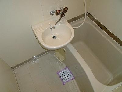 URBAN RESIDENCE 210号室の風呂