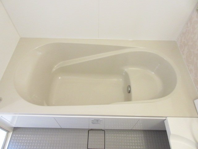 ソウソウ・ソンケン・リュウビ ソンケン 102号室の風呂