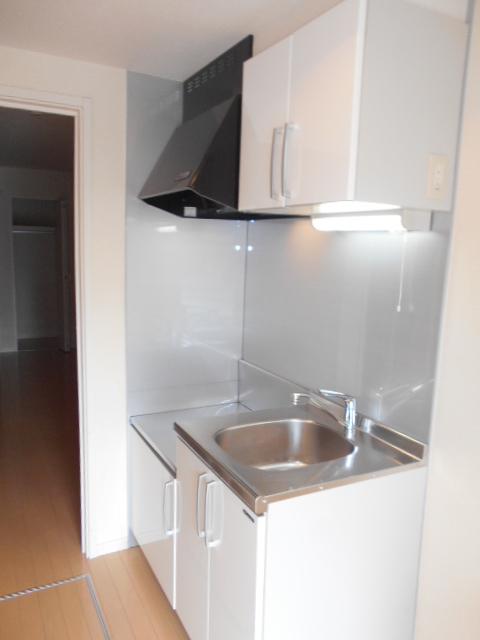 クレフラスト高丘B 102号室のキッチン