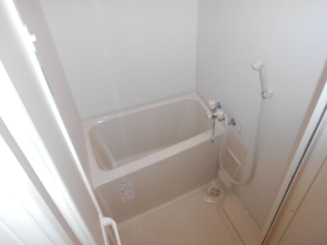 クレフラスト高丘B 102号室の風呂