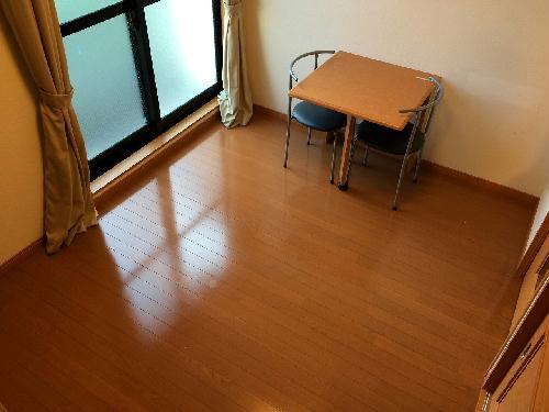 レオパレス浜名 森 102号室のリビング