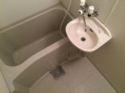 レオパレスあめや 202号室の風呂