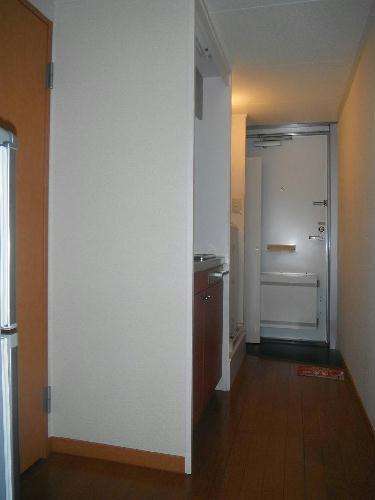 レオパレスあつた 205号室の玄関