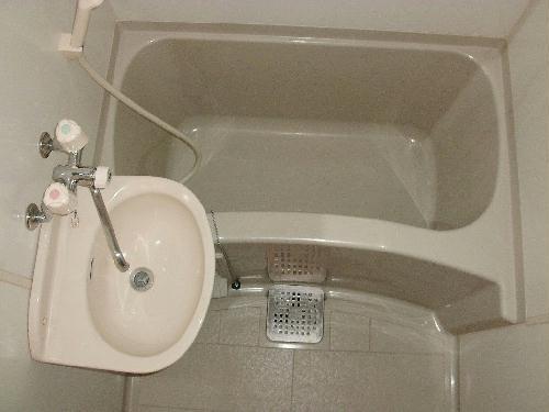 レオパレスあつた 205号室の風呂