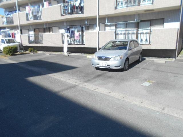 フローラ立野 103号室の駐車場