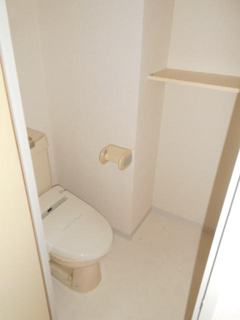フローラ立野 103号室のトイレ