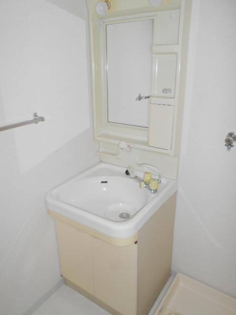 フローラ立野 103号室の洗面所