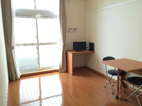 レオパレス森田 113号室のリビング
