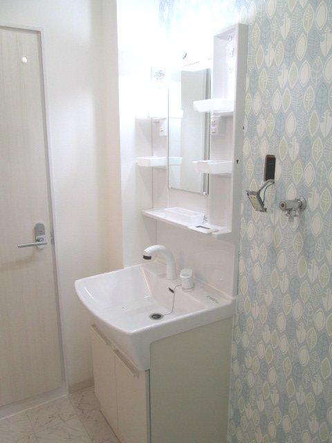 マンションストークV 101号室の洗面所