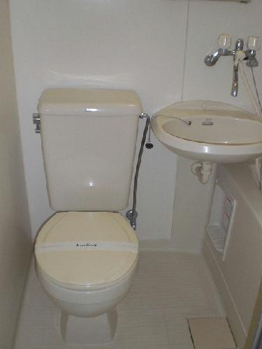 レオパレスアークコート 303号室のトイレ