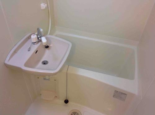 レオパレスあめや S&T 206号室の風呂