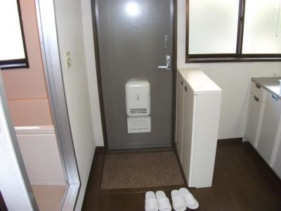 ハイツITO 101号室の玄関