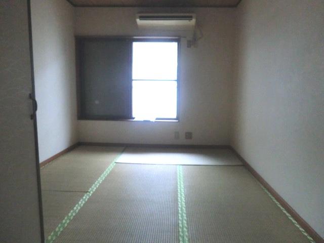 カスガハイツ 207号室の居室