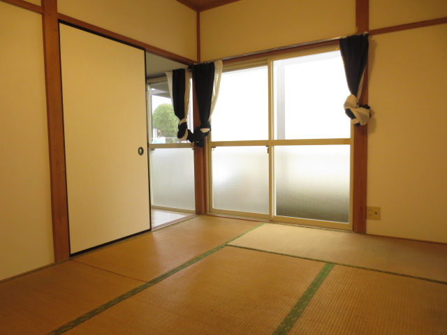 ハイツ小川 103号室の居室