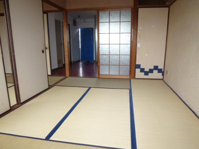 山王運輸ビル 7B号室の居室