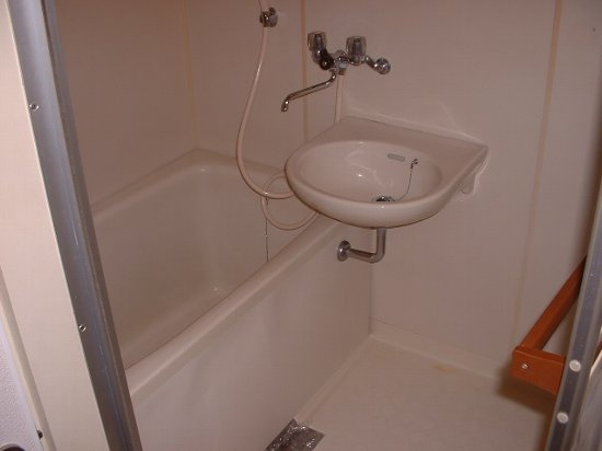 メゾン幸 102号室の風呂