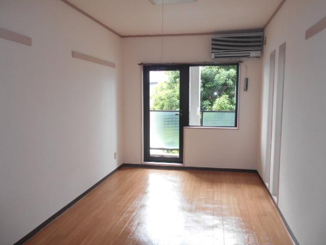 上島コモンコートD棟 203号室のリビング