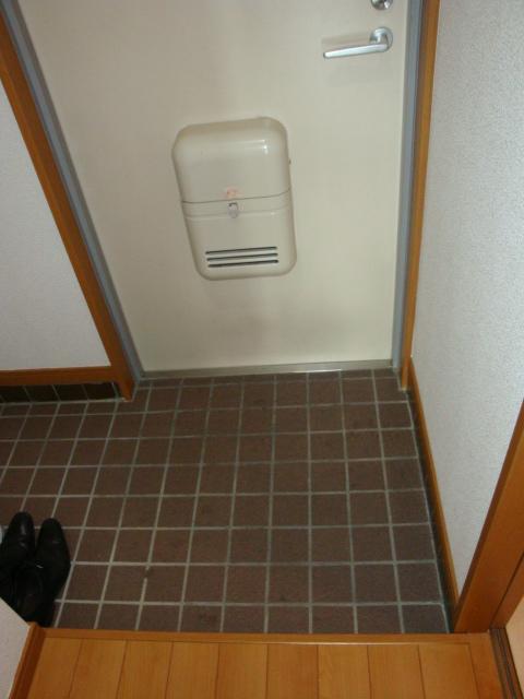 センチュリーパーク野田 203号室の玄関