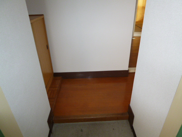 サンハイツ野田 302号室の玄関