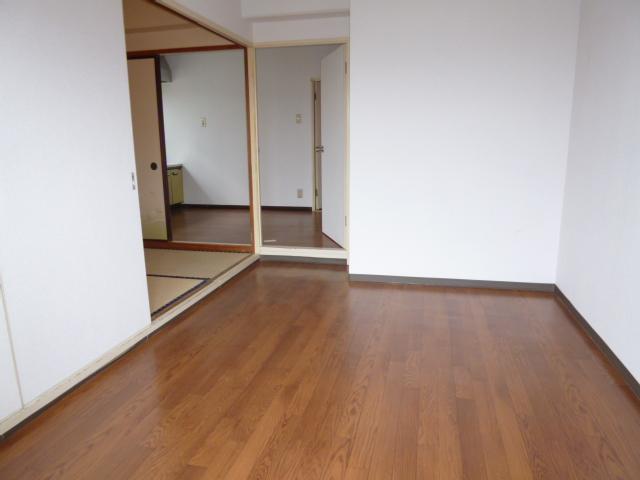 サンハイツ野田 201号室のリビング