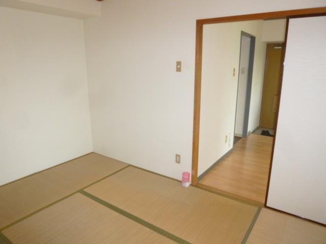シティマンションウィング 201号室のリビング