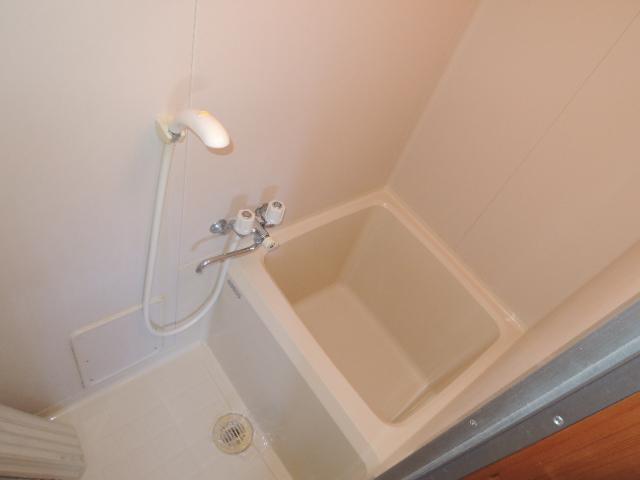 コーポスルガ台 201号室の風呂